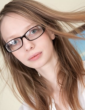 Free Teen Glasses XXX Pictures