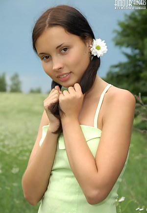 Free Teen Pigtails XXX Pictures