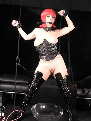 Free Teen BDSM XXX Pictures