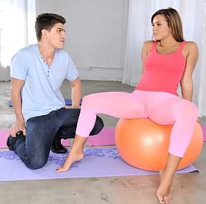 Free Teen Yoga Pants XXX Pictures