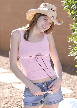 Free Teen Country Girl XXX Pictures