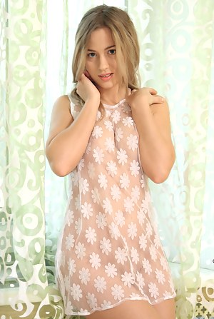 Free Teen Dress XXX Pictures