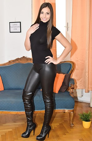 Free Teen Leather XXX Pictures